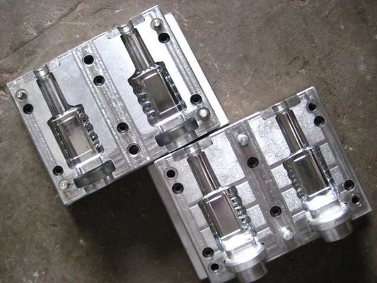 China Stainless Steel Plastic Preform Mould , Water Bottle Mold With 3D / 2D Drawing factory